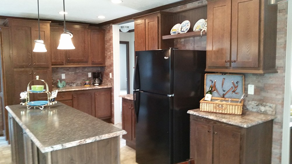 Eagle River 2016 Model 28x68 Kitchen Umh Modular Home
